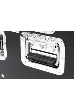 Sturdy steel recessed handles with rubber grip